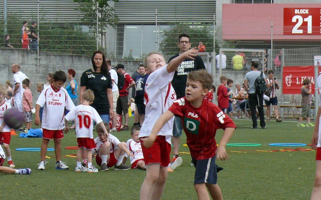 Handballteufel beim Stadionfest des 1. FCK vertreten