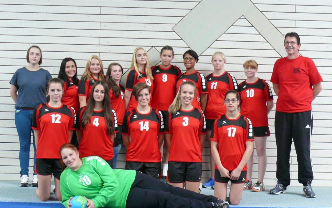 Die wB-Jugend spielt die Meisterschaftsrunde der wA-Jugend zu Ende und gewinnt ihr erstes Spiel zu Hause gegen die TG Waldsee mit 33:23